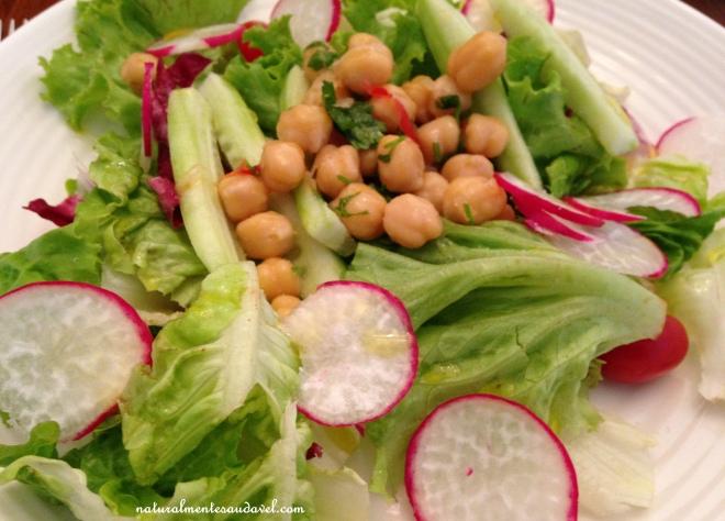 salada com rabanete