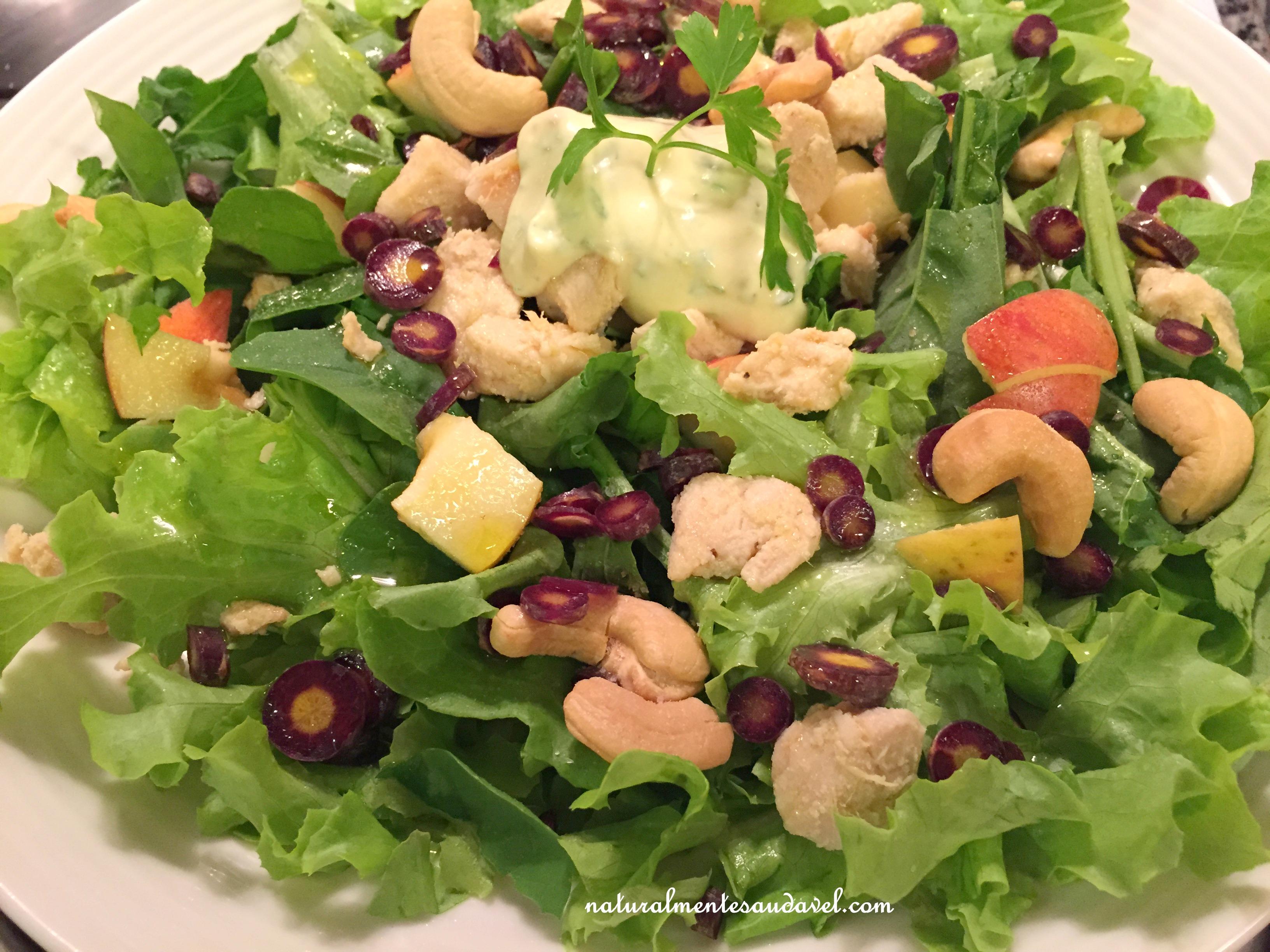 Resultado de imagem para salada verde com castanhas